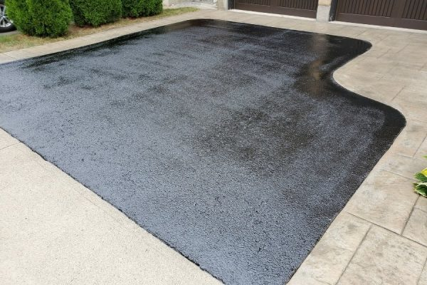 driveway-sealing-for-residential-property