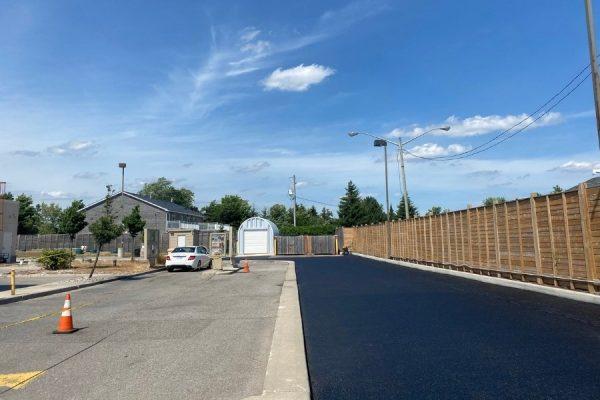 driveway-sealing-for-spacious-road