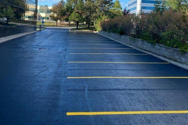 professional-asphalt-sealing-for-commercial-parking-lot